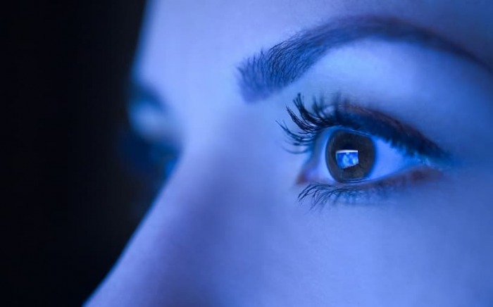 blue-light-and-uveal-melanoma-admac