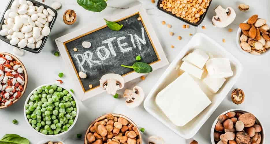 What should be the daily protein requirement during cancer?